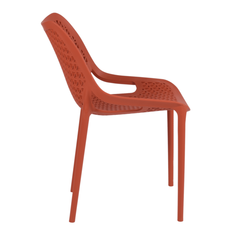 Chaise Panama rouge pour terrasse de café